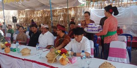 Bapak Bupati dan Wakil Bupati Buleleng Hadiri Undangan Pengabenan Massal Desa Pakraman Tamblang
