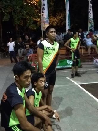 VOLTA Tamblang Lolos ke 8 Besar LPD Kalibukbuk Cup