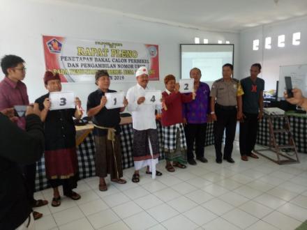 Pengambilan Nomor Urut Oleh Para Calon Perbekel Tamblang Periode 2019-2025