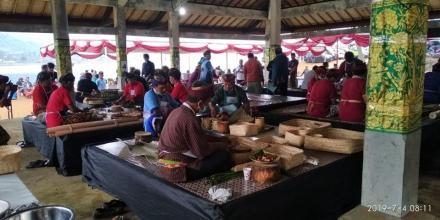 Desa Pakraman Tamblang Raih Juara Harapan 1 Lomba Ngelawar